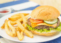 Grilled Sirloin Burger w/ Cheese